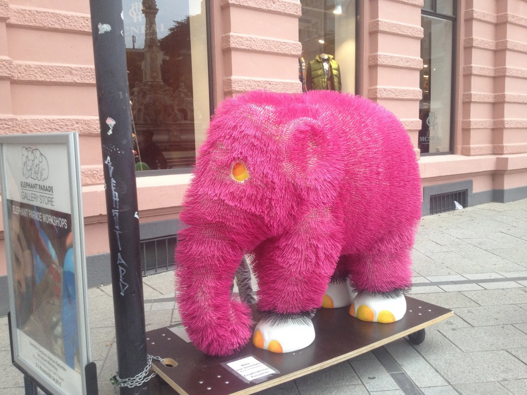 One of the many designer elephants about the town - this fluffy pink one was my favourite!